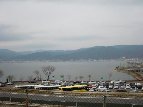 諏訪湖サービスエリアから見た諏訪湖の写真